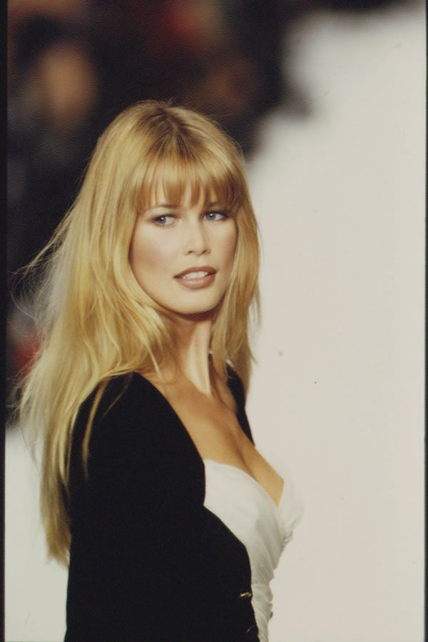 Claudia Schiffer- celebrity hair-celebrity hairstyles-celebrity hair cuts-celebrity hair 2016-celebrity hair color- strawberry blonde- dirty blonde- runway model- bangs- old hollywood- classy