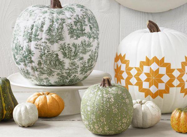 Decoupage pumpkins: Pumpkin Ideas, Decor Ideas, Toile Pumpkin, Fall Decor, Pumpkins, Halloween Pumpkin, Pumpkin Decor, Paintings Pumpkin, Decoupage Pumpkin