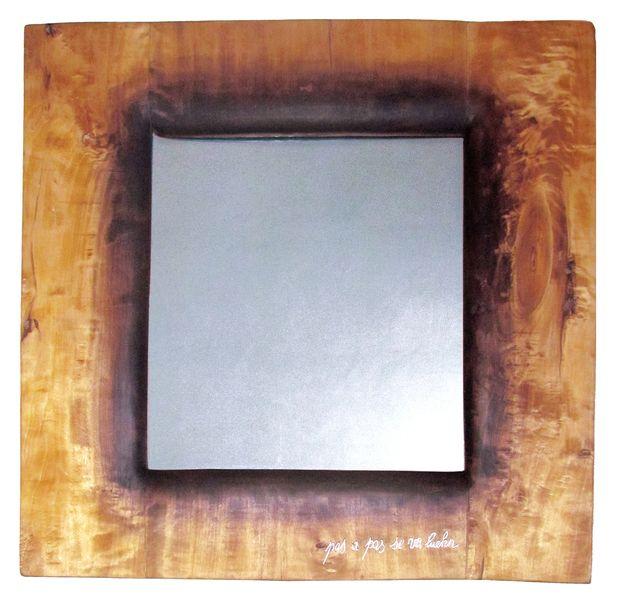 """Specchio  """"PAS A PAS SE VA LUEHN'"""" quercia LAVORATA CON GOMMALACCA E INTARSI A CALDO/ OAK WORKED WITH SHELLAC AND INLAYE."""