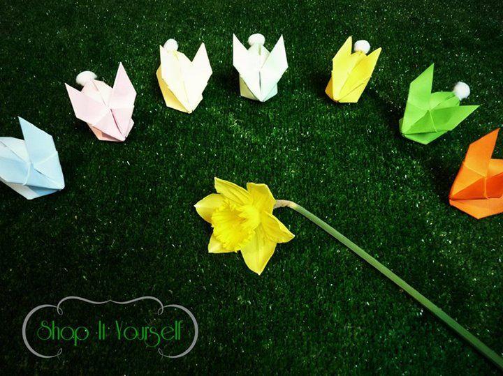Idée de cadeau d'invité pour Pâques. Kit de réalisation en vente sur le site.  Lapin origami déco.  Idea of favors for Easter. Bunny origami. DIY