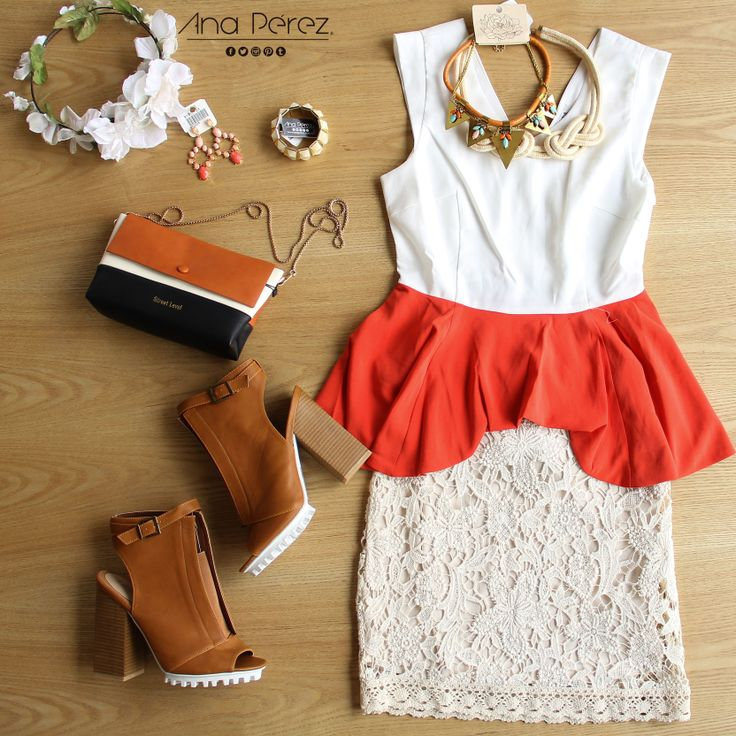Hermoso <3 falda de encaje con  peplo color block simplemente  perfecto!!! #weekend #beauty #outfit #StreetStyle #itgirl #fresco #trendy #summer #shop #love