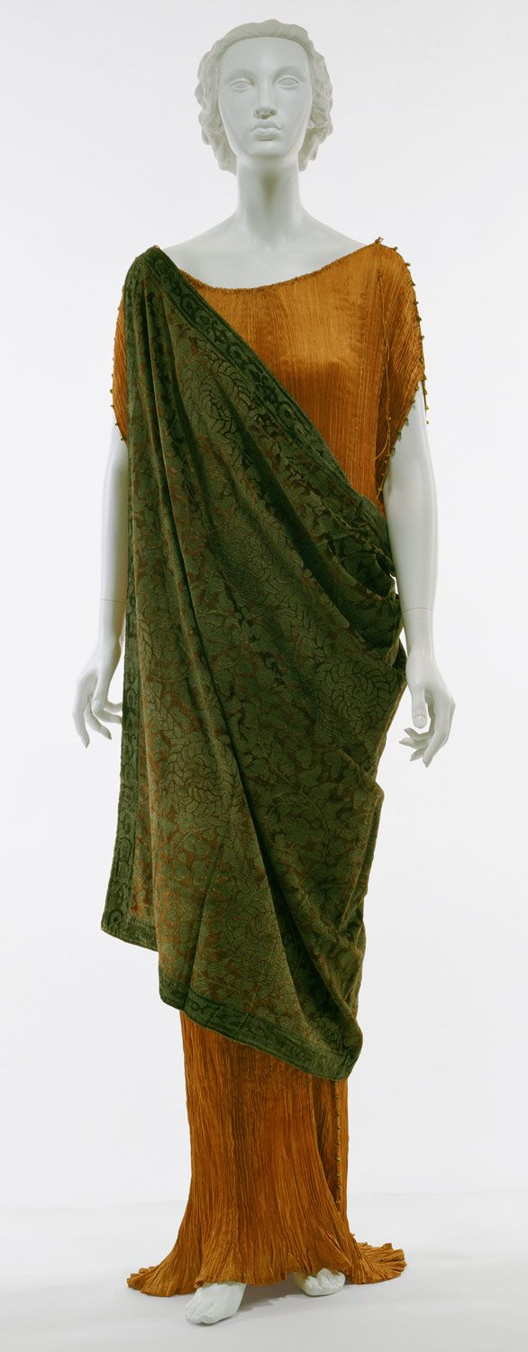 Delphos gown designed by Mariano Fortuny. This type of gown is a pleated silk dress inspired by ancient Greece.