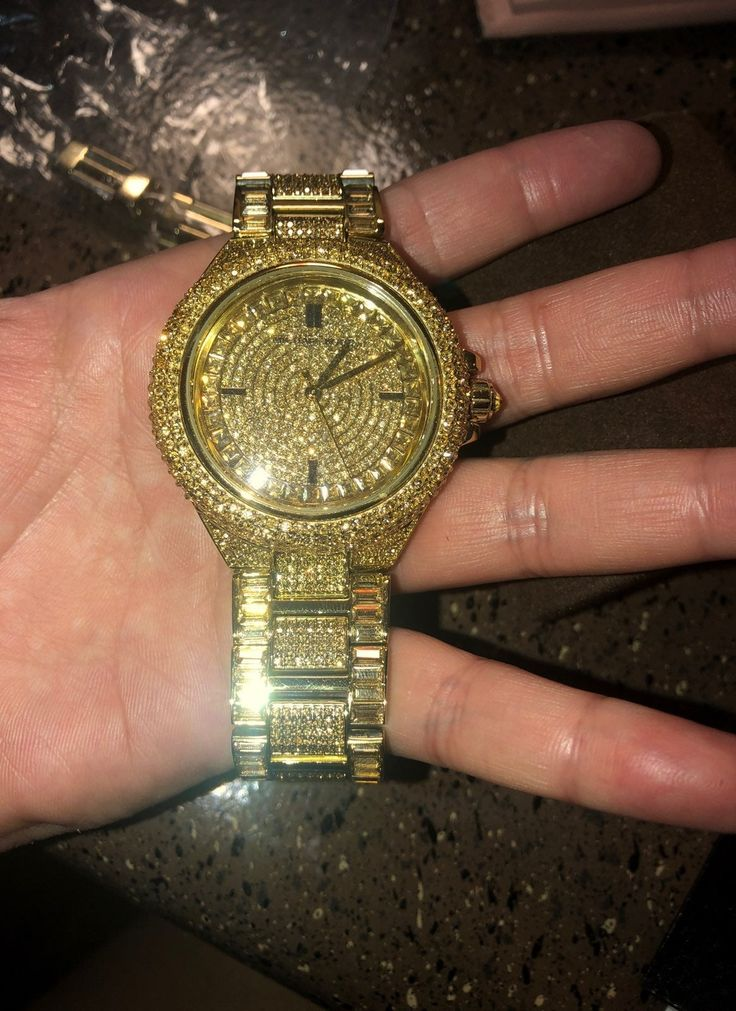 Beautiful Michael kors watch. The battery is dead but i