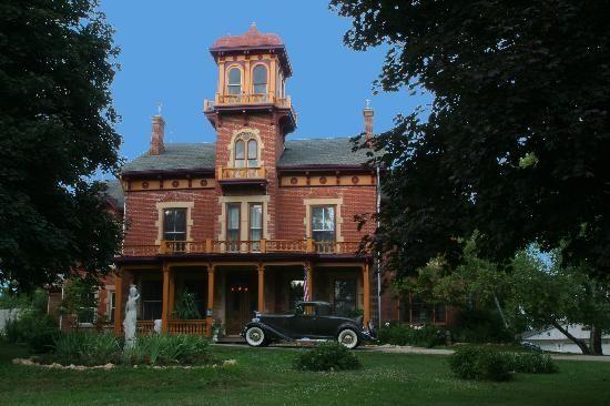 Ryan Mansion Tours Galena