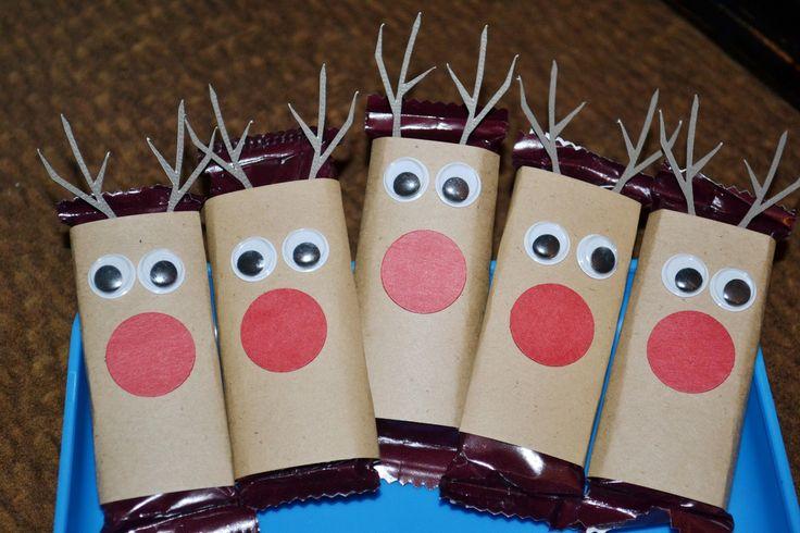 christmas crafts pinterest | Alabama Slacker Mama: It's a Pinterest Christmas! Candy Bar Reindeer
