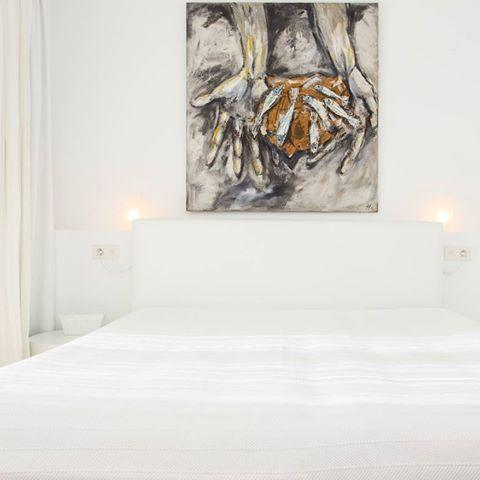¿Qué representa para ti ese cuadro? .  .  .  .  .  .  #arte #cuadro #house #homeadore #goals #gorgeoushome #dreamhouse #villa #home #stonehouse #stunninghome #holidayhome #holidayhomes #casadevacaciones #casasvacacionales #chalet #holidayvilla #holidayrental #alquilervacacional #property #vivienda #rentals #casavacacional #luxuryproperty #luxurylife #Luxury #luxurylifestyle #luxuryliving #lifestyle #goodlife