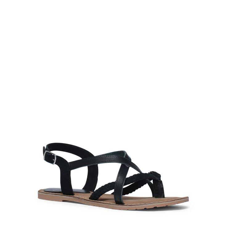 Zwarte sandalen van leer  Description: Zwarte sandalen met gespsluiting van het merk Manfield. De sandalen hebben een binnen- en buitenzijde van leer. De sandalen zijn voorzien van twee zwarte bandjes die kruislings over de wreef lopen.  Price: 54.99  Meer informatie  #manfield