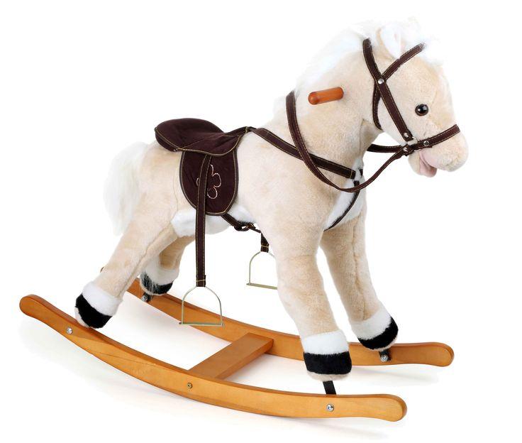 Een prachtig en knuffelzacht rijdier is dit bekroonde paard met witte manen en staart. Hoofdstel en zadel van textiel in leerlook en de stijgbeugels van metaal maken het paard compleet en zo draven kleine ruiters de zonsondergang tegemoet! Het toppunt: bij het drukken op de oren hinnikt het paard en beweegt het de bek!