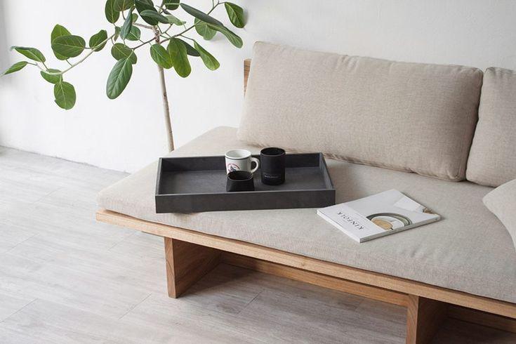blank-daybed-sofa-cho-hyung-suk-design-studio-munito-design-furniture-_dezeen_2364_col_0