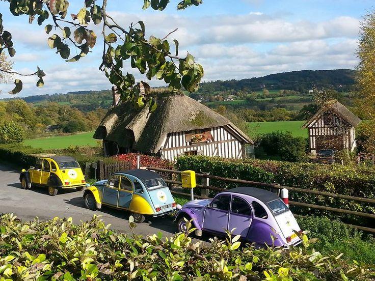 A 2 ore di treno da Parigi ... scoprite Pays d'Auge in Normandia in citroen 2 cv presso Pont-l'Evêque.