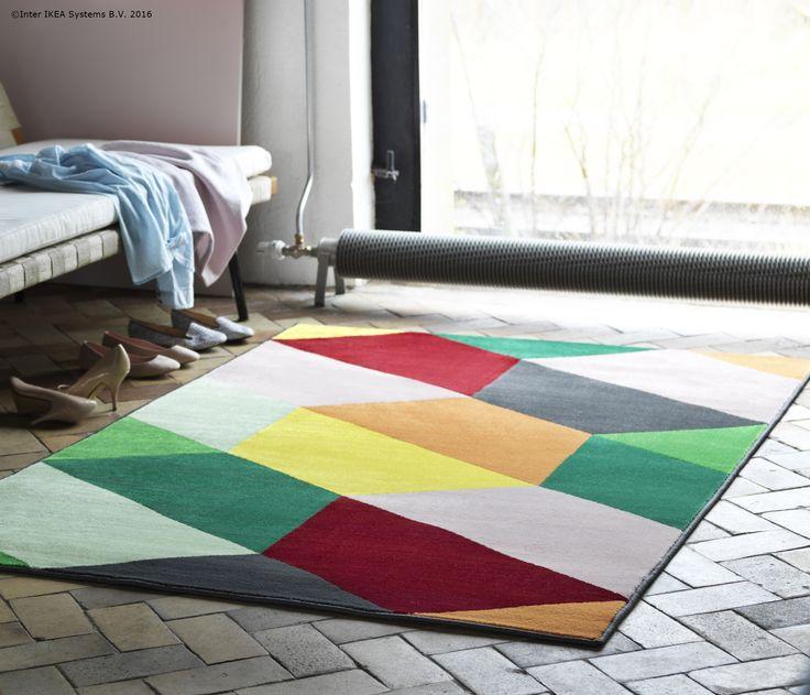 Un covor vesel poate da și mai multă culoare casei tale. #noutatiIKEA