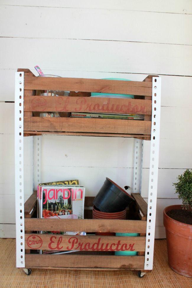 Reciclado de cajones de verdura cajones de fruta for Diseno de muebles con cajones de verduras
