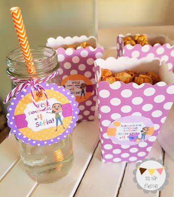 ¡Botellitas decoradas y cartoncitos para palomitas! SoHipFiestas: ¡Fiesta de cumpleaños Jelly-ciosa! - HOME, Aventuras de Tip y Oh (y promos) #homeparty #boovparty #fiestaboov #partyideas