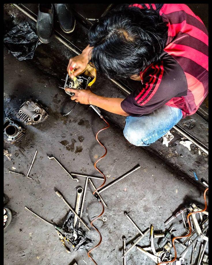 - F.O.C.U.S - . . . #zenphotography#zenfone3photography#mechanics#photoshoot#photooftheday#palembang#visitpalembang
