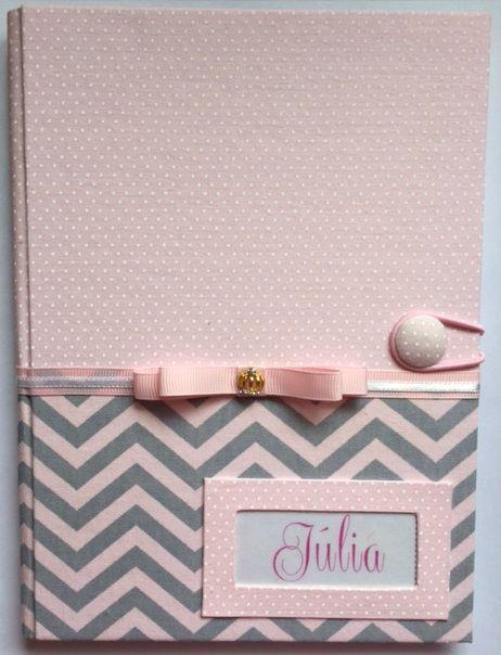 Capa para Caderneta de Vacinação em Cartonagem - Chevron Cinza com Rosa BB