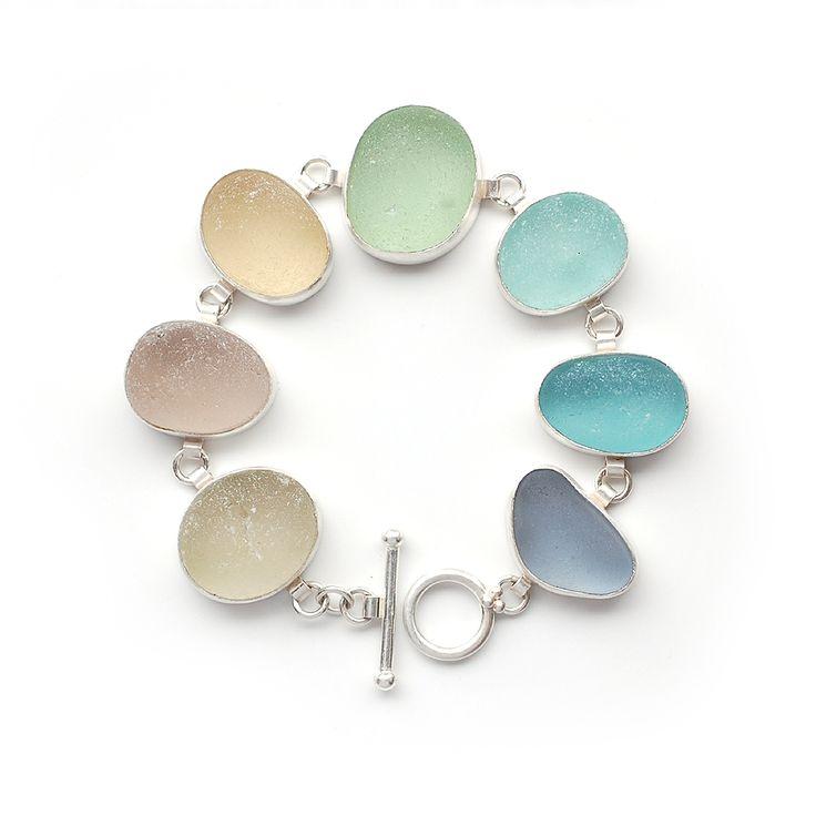 Pastel Sea Glass Bracelet by Tania Covo. Pinterest | chelstokarski