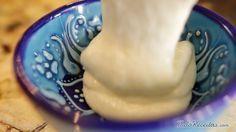 Aprenda a preparar molho de alho árabe com esta excelente e fácil receita.  O molho de alho árabe é o acompanhamento para servir com quibes, outras especialidades do...