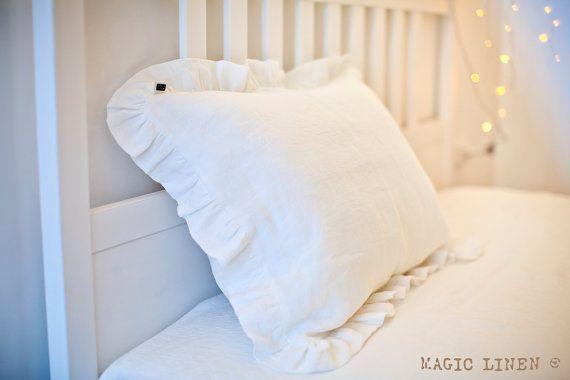 Ruffled linen pillow case, softened linen. Linen pillow case with ruffles. White linen pillowcase. White linen bedding. Natural pillow