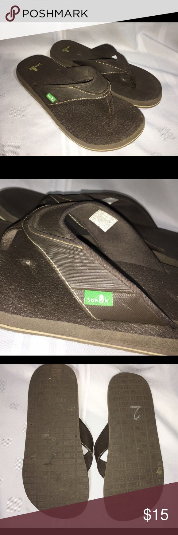 Sanuk flip flop sandals Excellent - gently worn , a few spots here and there on interior Sanuk Shoes Sandals & Flip-Flops