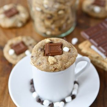 Since I can't bake, will someone make these for me?? I'll pay you in dinner or hugs!!