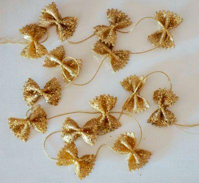 roost | marissa waddell interiors: easy glitter bow garland for mini tree