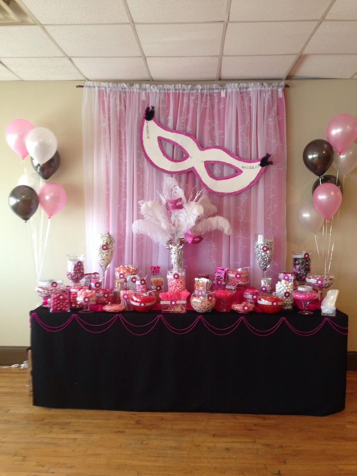 1000 images about black white masquerade party ideas on pinterest masquerade cakes black n - Candyland party table decorations ...