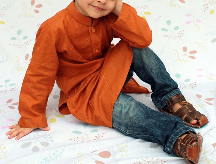 Kurta *Freches Kinder Hemd mit Stehkragen und Ziernähten - Extralang*    Absolut stylish zur Jeans.    Aus reinem, leichten Baumwollstoff,  all-over mit Zie