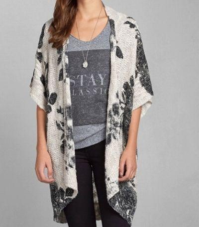Abercrombie&Fitch レディース ニット  アバクロ Brittan Kimono Cardigan カーディガン  ★アバクロ新作商品。アメカジ・サーフブランドのファッションが好きな方におすすめのブランドです! ★着物をイメージした、上品な花柄トップス。個性的で他に無いカーディガン!さっと肩から羽織れてオシャレです。