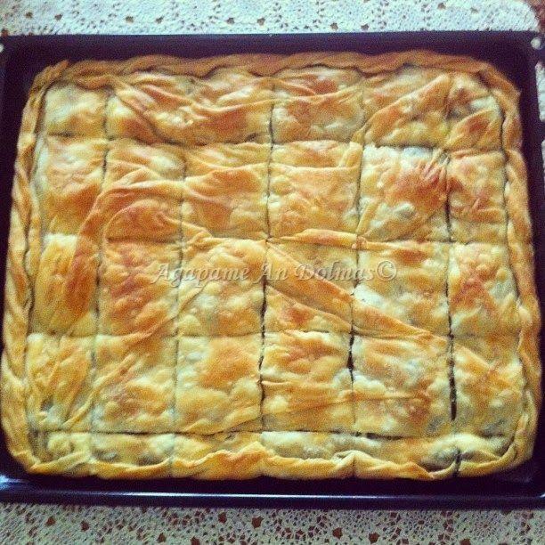 Όλοι λατρεύουμε τις πίτες, ειδικά τις σπιτικές με το τραγανό φύλλο και την πλούσια γέμιση (σπανάκι, τυρί, κρέας,πράσο, κοτόπουλο ...