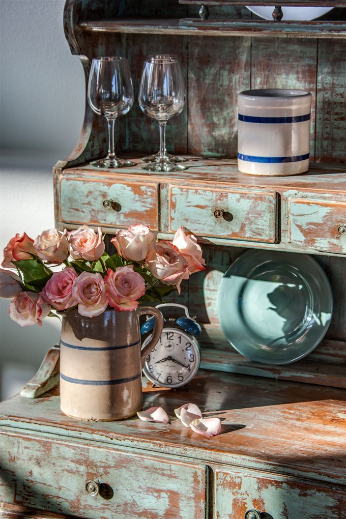 Love the color and distressing of the hutch House of Turquoise: Guest Blogger: Kim of Kim Hoegger Home