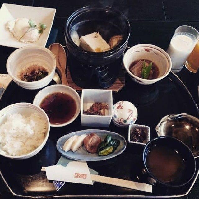 A Japanese breakfast of SANYOAN, Tokachigawa hot spring. You can choose one from Japanese or Western.    FACEBOOK=  https://www.facebook.com/wabisabi.mode.hokkaido/   #札幌  #北海道  #sapporo  #旅館 #visitjapan  #Hokkaido  #日本  #和食