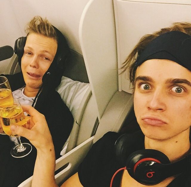 Joe Sugg And Caspar Lee  Youtubers and vloggers