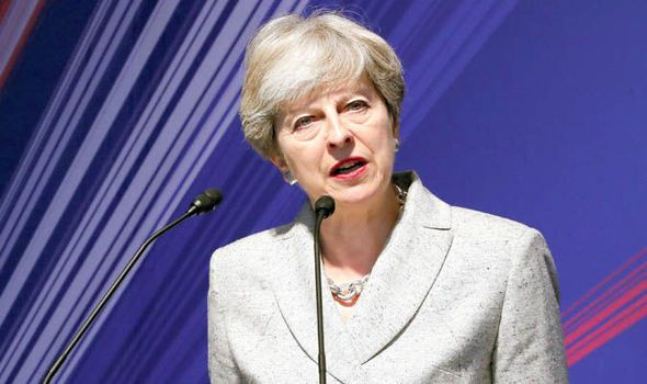 Theresa May set to lift public sector worker pay cap? PM 'recognises worker sacrifice' - https://buzznews.co.uk/theresa-may-set-to-lift-public-sector-worker-pay-cap-pm-recognises-worker-sacrifice -