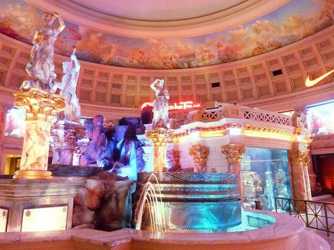 米国ラスベガスのショッピングモール「フォーラムショップス」にて。The Forum Shops in Las Vegas, USA.