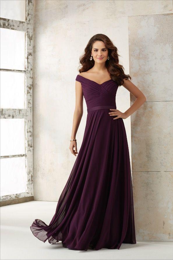 Encuentra en  #TulesyNovias los mejores vestidos de dama   #VestidosdeDamas #Damas #MoriLee