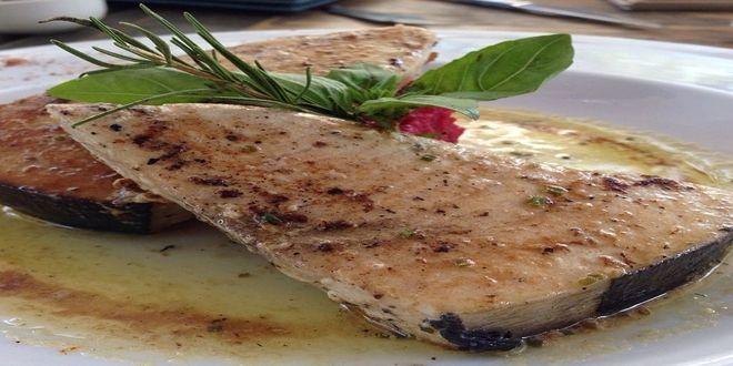 Albacora al Horno con Salsa de Mantequilla, una sencilla y deliciosa Receta con ingredientes y Modo de preparación paso a paso.