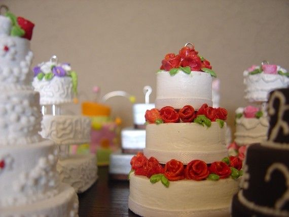 Wedding Gift Cake: 1000+ Images About Anniversary Cake Ideas On Pinterest