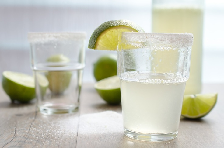 Fizzy Lime Margaritas: a lighter version of the original with Grand ...