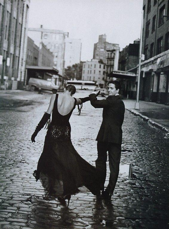 Harper's Bazaar - Sheer Nights - Linda Evangelista & Hugh Grant - New York - Nov 1992