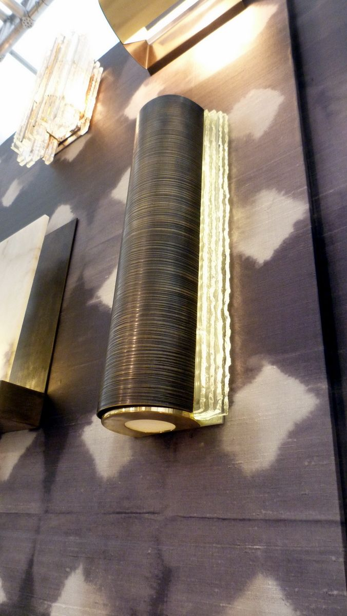 Beekman wall light with bronze ribbed panel and chipped glass detail