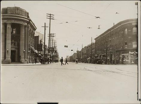 Danforth & Broadview looking east -- 1910s