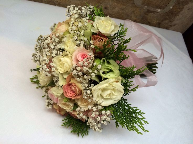 Bridal throw away bouquet.