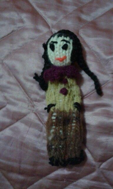 Muñeca con lana chilota realizada por Silvia Cheuquepil