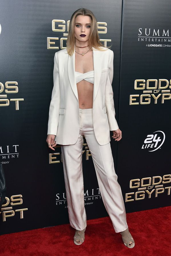 Red Carpet Roundup with Teresa Palmer, Courtney Eaton, Nikolaj Coster-Waldau and More << Movie & TV News and Interviews – Rotten Tomatoes