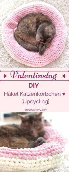 Alles für die Katz'! Häkel Katzenkörbchen aus alten Fleecedecken #upcycling . Ein süßes DIY-Projekt zum Valentinstag für Eure Vierbeiner. www.greenysherry.com #DIY #zerowaste #häkeln #handarbeit #katzen #tiere #valentinstag #basteln