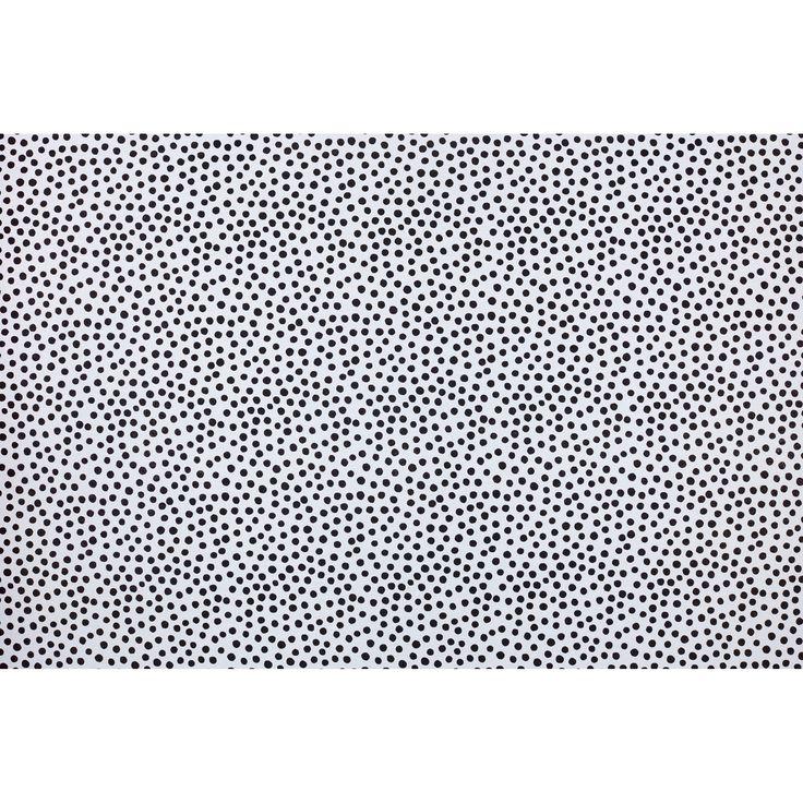 Stof DORY - Stof wit met zwart stippen patroon. Slijtvast en stevig. 140 cm breed. #stof #kwantum #DIY #zelfmaken #creatiefmetstof #stoffen #stippen
