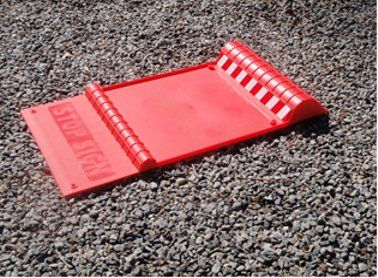 25 best parking aids images on pinterest garage garage house and this red parking mat will help you park safely and easily so you dont damage your vehicle or your garage a built in drip try prevents water snow or dirt solutioingenieria Choice Image