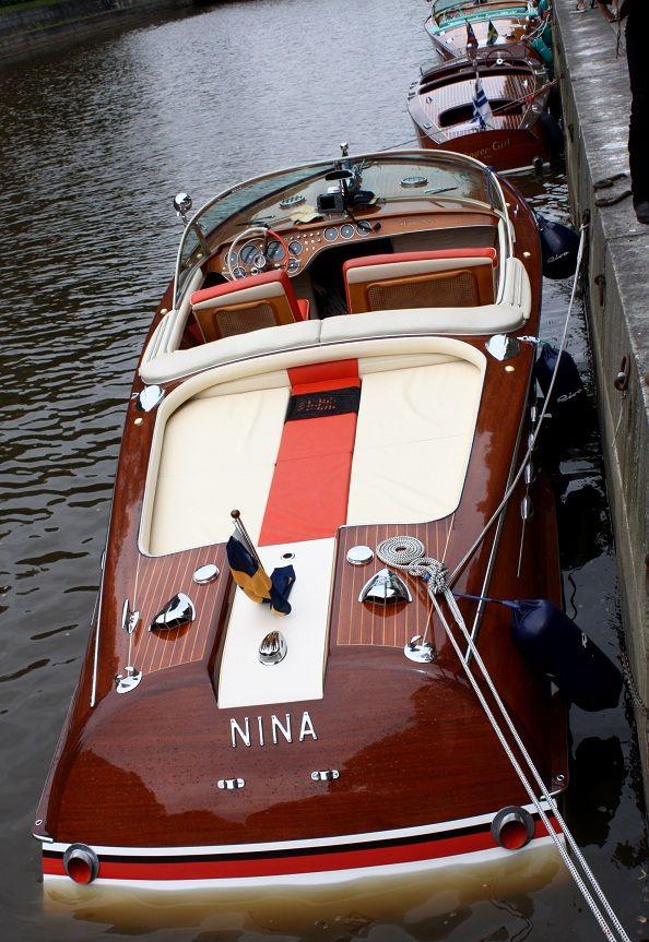 Rive Super Aquarama Mahogany Yachting Society   Runabout ...