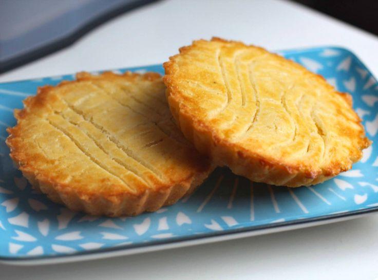 Mini boterkoekjes, voor dit recept wordt er ongezouten roomboter gebruikt. Ik zou geen andere boter gebruiken. Deze koeken zijn juist lekker door de roombotersmaak.