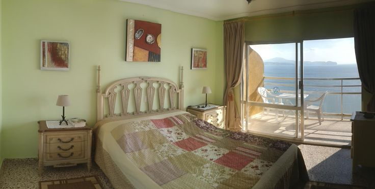 The master bedroom offer its own balcony with undisturbed sea view. www.wonderful-calpe.webs.com